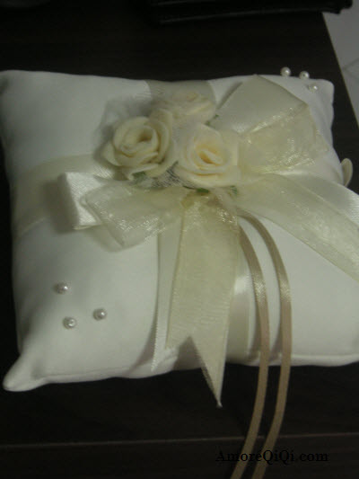 GoldHeart Wedding Pillow