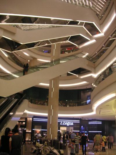 Ion Orchard ShoppingFloor3