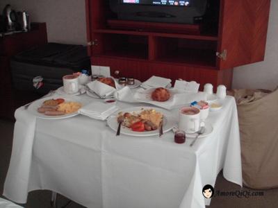 Four Season Hotel breakfast